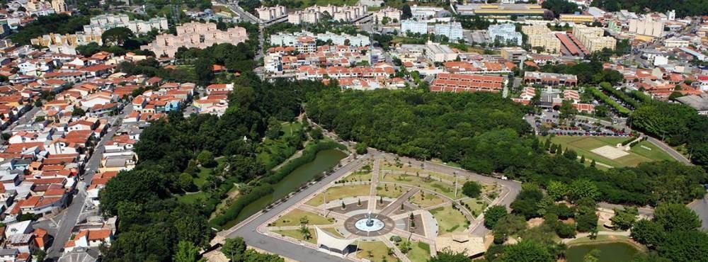 Espaço de Lazer Chico Mendes e sede da Prefeitura Municipal de São Caetano do Sul
